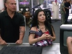 Cuban chick sells her TV and nailed hard at the pawnshop