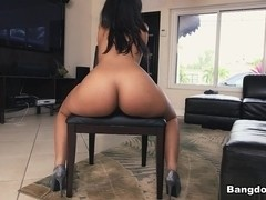 Ava Sanchez in Curvy Latina twerks her ass Video