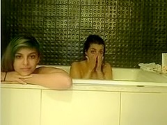 Webcamz Archive - two Gals In Bathtube Having Pleasure