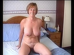 Hot mature chick has crazy sex in private home movie