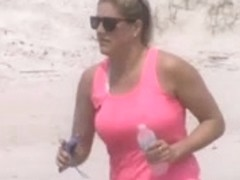 hotty with nice bouncing jogging tits in slow motion