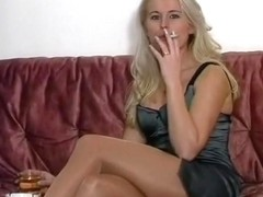 Sexy Blonde MILF Uses Dildo To Cum