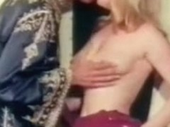 Retro hairy cunt licking action with hot lesbian sluts