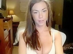 Blondie Plays With Her Vagina In Bed