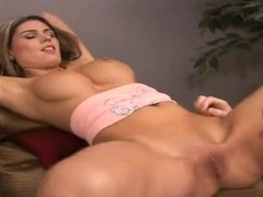 Lovely whore having her pussy licked and doing a good blowjob