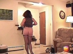 THIS BABE PUTS ON A SHOW & BLOW FOR THE DUDES & SWALLOWS