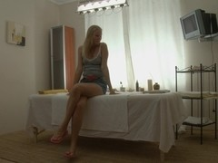 Hawt blondie has great wazoo massage