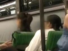 Jr.Actress Trio AV!! Mom To Pretend Secret Mischief Dropped In On Crowded Commuter Bus