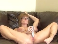 Mom Moans While Stroking A Intense Vibe On Her Wet Clit