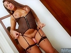 Gorgeous shemale Bianca Petrovicky strokes her hard shaft