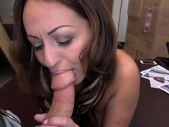 Curvy milf Vanessa Luna gets boned good