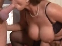 hawt susi in three-some act