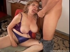 Delicious large love muffins mother I'd like to fuck gives a great orall-service