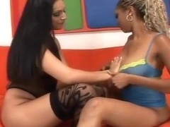 Black Lesbos Ice And Coco Play With Toy
