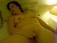 Chubby girl plays with her clit
