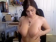 Legal Age Teenager rubbing her own mambos in livecam