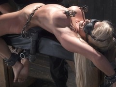 Holly Heart & Orlando in Blonde Milf Gets Devastated With Sensory Overload - DeviceBondage