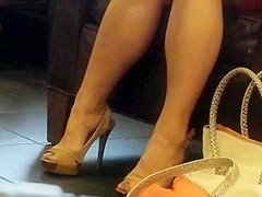 Candid Feet: High Heeled Asian