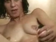 Lebanese mature brunette screaming of pleasure