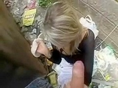 Big facial for a whore in the alley
