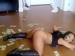 woodfloor & dollar bills arse shake - ameman