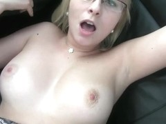 Nerdy amateur with big tits gets seduced by her taxi driver