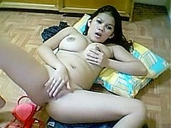 Hot asian masturbates in cam, no dildo