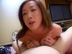Hot Japan girl gets titty-fucked and gives handjob