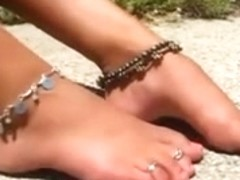 Angel With Nice-Looking Feet And Very High Arches