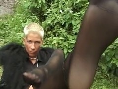 Short-haired mother I'd like to fuck Gives A Great Hawt Show  On The Grass