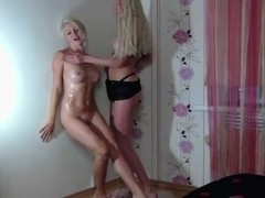 Strapon show witha naughty dance!