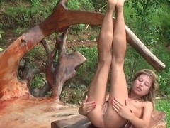 Vicktoria Tiffany in slut got her ass fucked in an outdoor sex scene