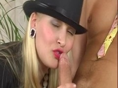 Sweethearts In Hose Getting Licked And Screwed