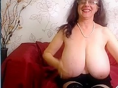 my Favourite Webcam granny whore is back