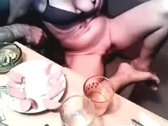 Homemade sextape with me fondling my sexy curves