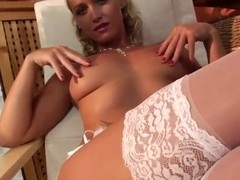 Kathia Nobili is ready to please you with her feet