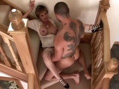 Mature Goddess Gets Awesome Cumshot XXX video
