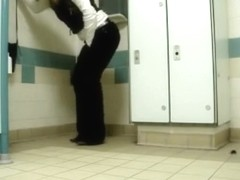 My desperate girlfriend cannot hold her pee and goes on the floor