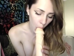 lovely girl play on cam and squirt
