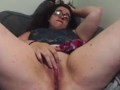 junior BBW mastubates