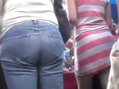 Upskirt of a hot girl with red stripe skirt