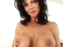Busty mom gives his sphincters