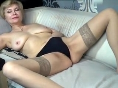 kinky_momy secret video 07/04/15 on 08:37 from MyFreecams