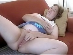 mature housewife orgasm
