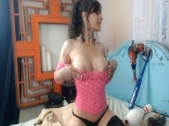 Horny Babe Drilling Ass and Pussy on Cam