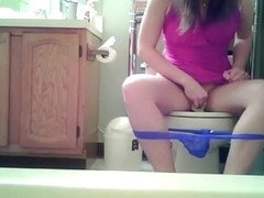 Teen girl pissing and wiping her little pussy