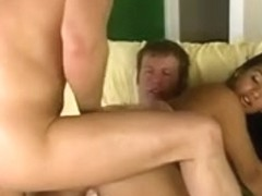 Latina showing fucking in a hot threesome scene