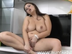 Aged housewife sucks on her toes