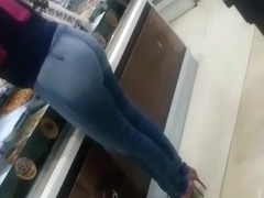 Sexy round ass milf wearing tight jeans