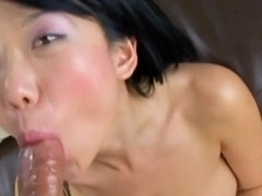 Passioante asisn Niya Yu sucks hard cock